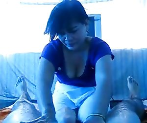 Asian masseuse jerking me off
